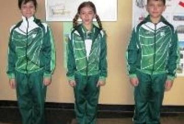 На училище: Назад към униформите
