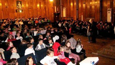 Photo of Магарешки работи представи Плевенска филхармония пред малките ученици от Вазов
