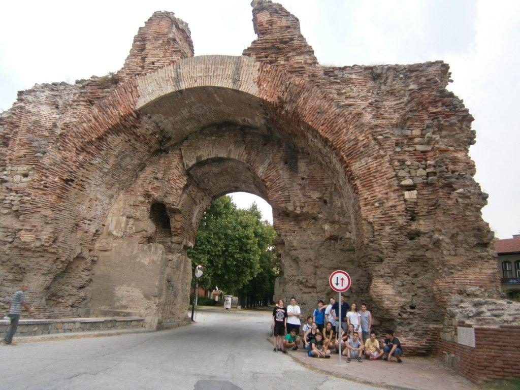 """Екскурзията на 8 """"и"""" клас до Хисаря, Старосел и Копривщица проведена на 26 и 27.06.17г."""