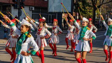Photo of На 02 декември Мажоретният ни състав участва в празнично шествие заедно с  младите лекари от Випуск 2019 на МУ – Плевен